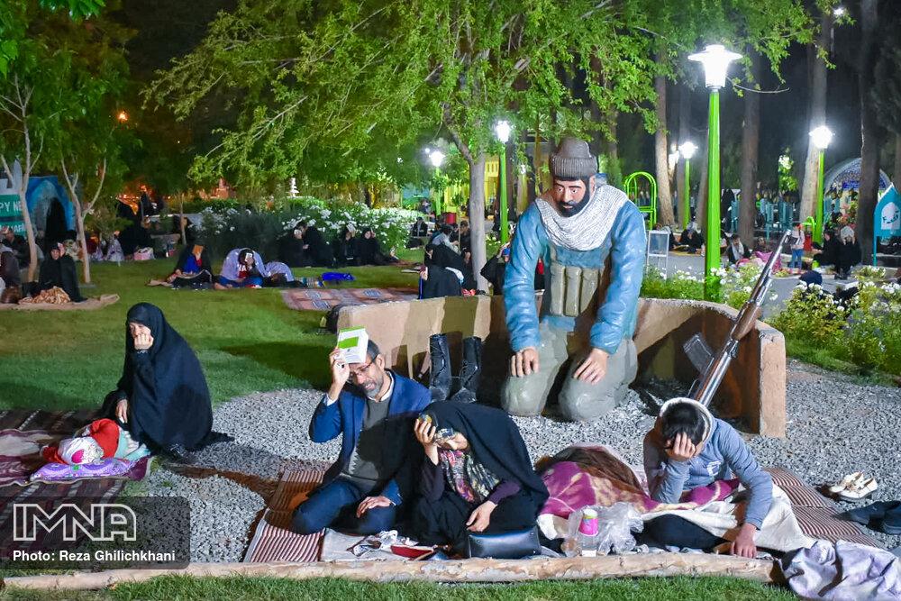احیاء 21 رمضان سال99 در گلزار شهدای نجف آباد احیاء ۲۱ رمضان سال ۹۹ در نجف آباد+تصاویر احیاء ۲۱ رمضان سال ۹۹ در نجف آباد+تصاویر 1636921 IMG 6062