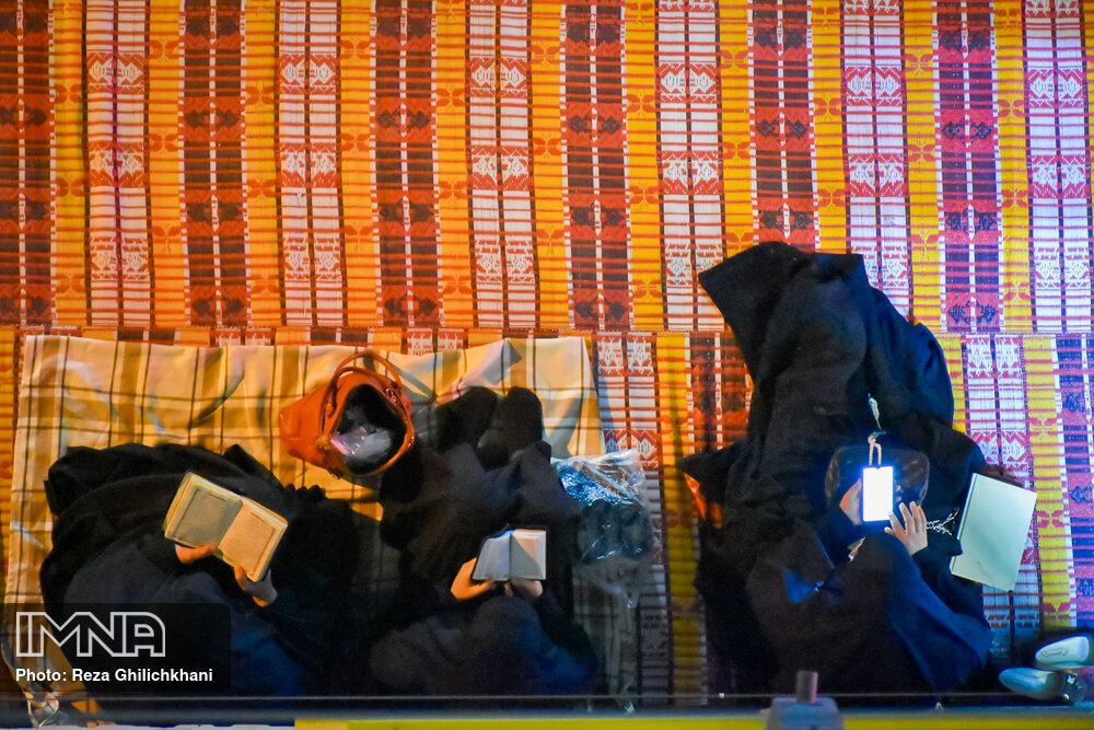 مراسم احیاء شب بیست و سوم رمضان سال99 در نجف آباد احیاء بیست و سوم رمضان سال۹۹ در نجف آباد+تصاویر احیاء بیست و سوم رمضان سال۹۹ در نجف آباد+تصاویر 1637291