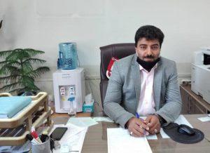 حسن صالحی مدیر جهاد نجف آباد رتبه اول نجف آباد در تولید تجهیزات زنبورداری رتبه اول نجف آباد در تولید تجهیزات زنبورداری                                                     300x218