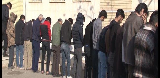 دستگیری ۴۲ متهم در نجف آباد+تصاویر دستگیری ۴۲ متهم در نجف آباد+تصاویر دستگیری ۴۲ متهم در نجف آباد+تصاویر 5788766 411 650x320