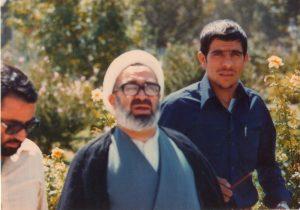 حیدر علی قوقه ای در کنار مرحوم آیت الله منتظری عاقبت یک انقلابی نما در نجف آباد عاقبت یک انقلابی نما در نجف آباد p 109 300x210