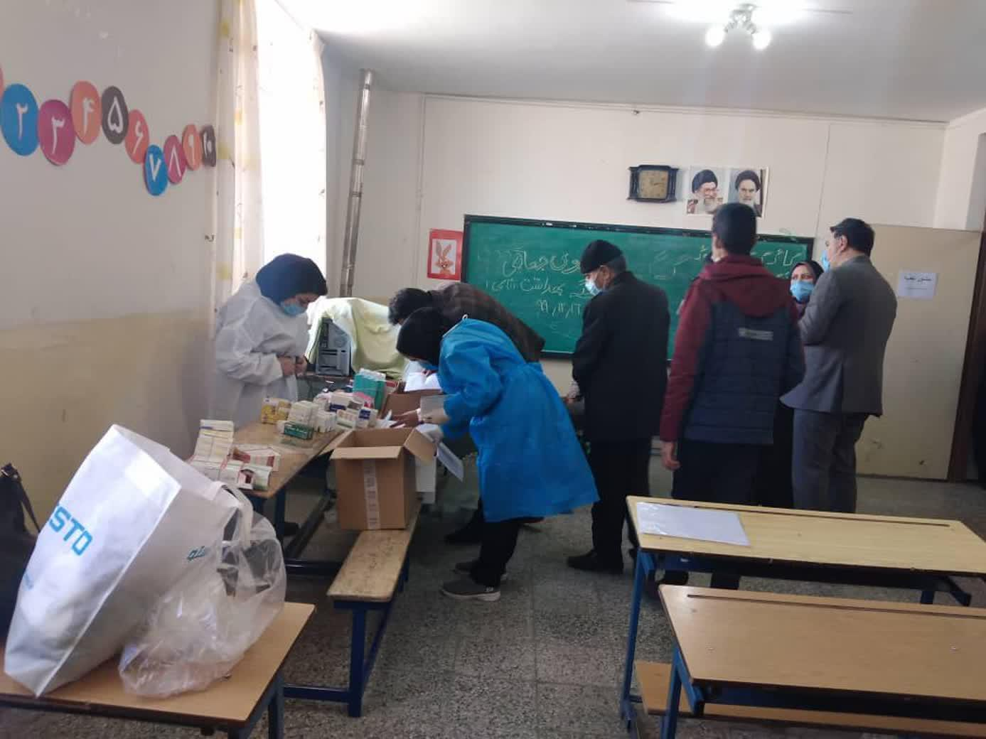 اردوی جهادی پزشکان در دهق+تصاویر اردوی جهادی پزشکان در دهق+تصاویر اردوی جهادی پزشکان در دهق+تصاویر photo