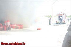 آتش گرفتن خودروی گازسوز شده در نجف آباد آتش گرفتن خودروی گازسوز شده در نجف آباد+تصاویر آتش گرفتن خودروی گازسوز شده در نجف آباد+تصاویر 1618637129 J4cO6 300x200
